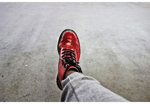 чистая лакированная обувь