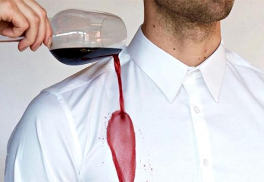 рубашка и вино