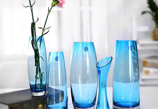 Стекляные вазы