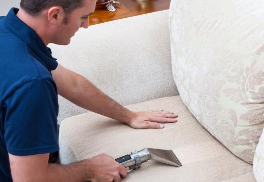 чистить кресло пароочистителем