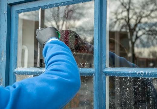 мыть окна зимой