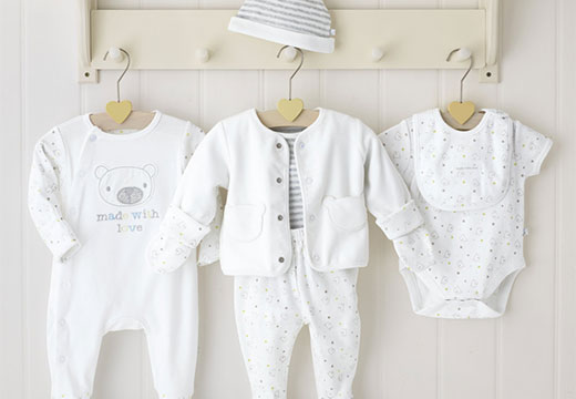 Белая детская одежда