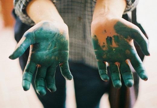 руки в зеленке