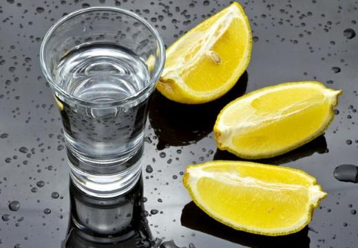 водка и лимон