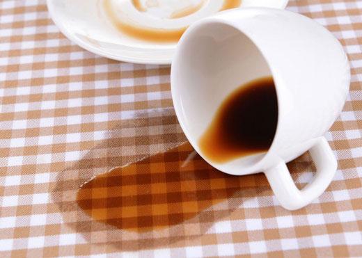 Пятно от кофе на скатерти
